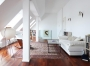 Wohnraum im Dachgeschoß - Blick zur Treppe