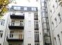 Anbau von Aufzug und Balkonen